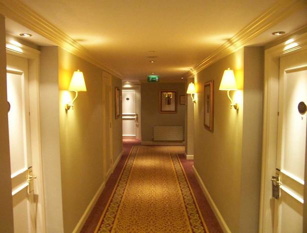 Korytarz hotelowy Fot. sxc.hu, autor: day