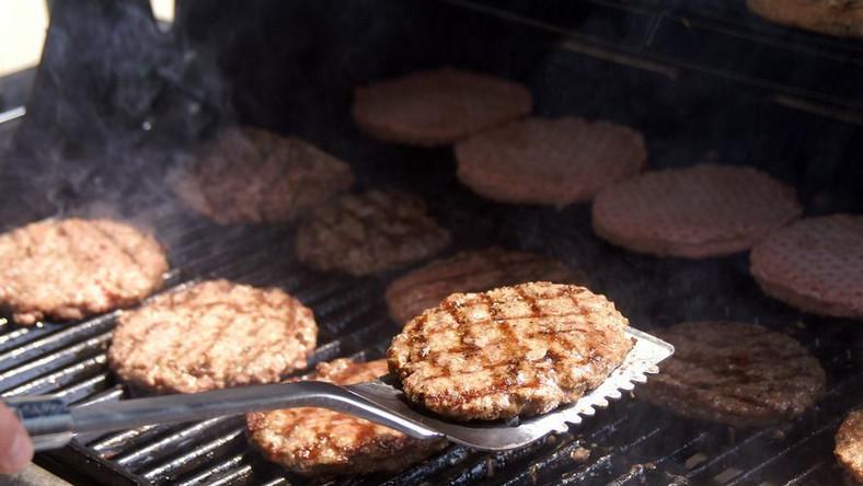Stabilny stan dzieci, które we Francji zatruły się hamburgerami z bakterią E.coli