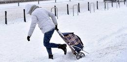 Wszyscy narzekają na śnieg i paraliż komunikacyjny. Przypominamy, jak wyglądała prawdziwa zima stulecia [ZDJĘCIA]
