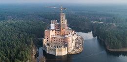 Prokurator odwołuje się od decyzji wojewody ws. budowy zamku w Stobnicy