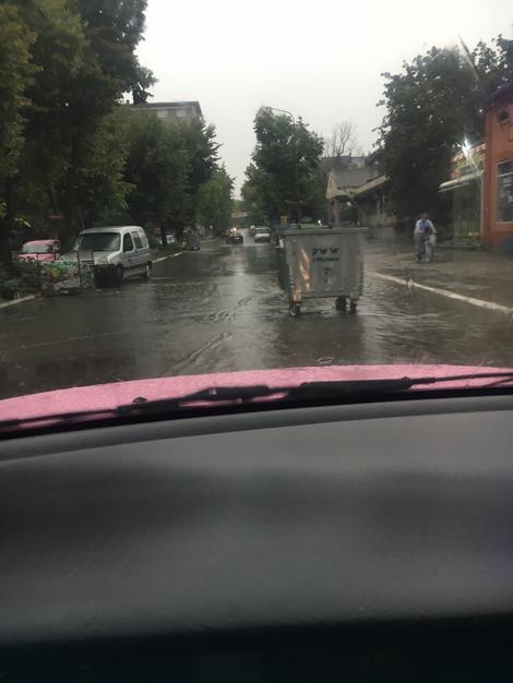Kontejneri na ulici u Smederevskoj Palanci