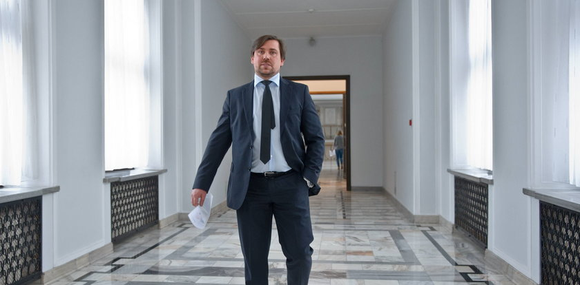 Agent Tomek przestał być posłem... dla córeczki