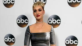 Katy Perry w dziwnej sukni na prezentacji ramówki ABC. To cerata czy karimata?