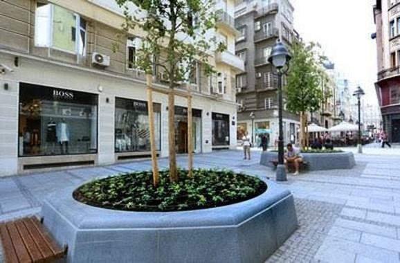 Deo Zmaj Jovine ulice pretvoren je u pešačku zonu
