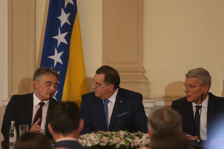 Dodik-Komsic-Dzaferovic-inauguracija2-Foto-Sinisa-Pasalic