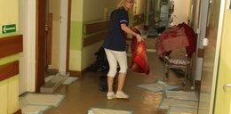 Woda lała się w szpitalu na Zaspie