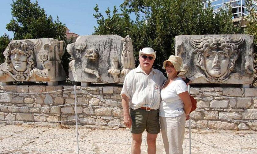 Wałęsa z żoną na wczasach! Gdzie się byczył?