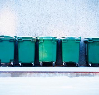 Nowa baza danych o odpadach: Urzędy zasypane śmieciową robotą