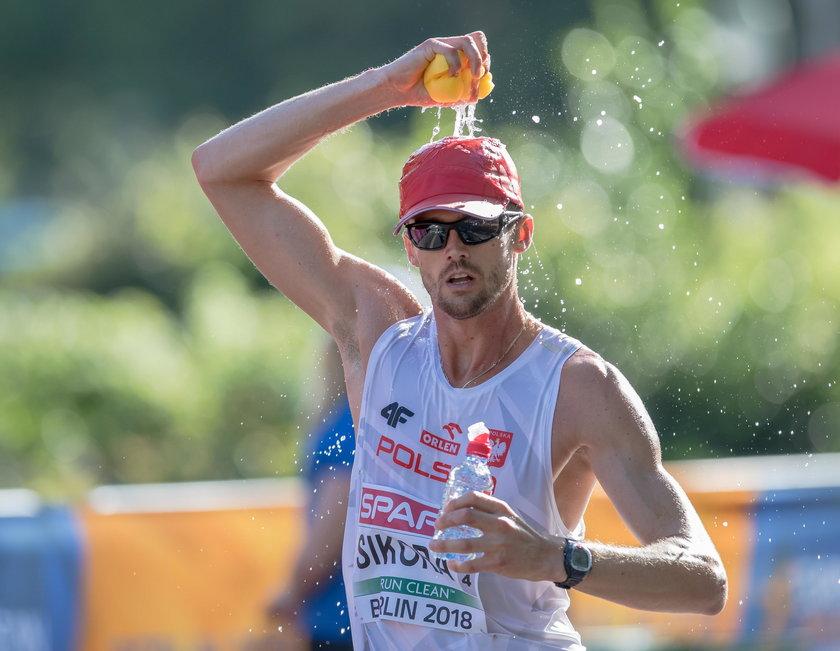 Rafała Sikora, jeden z trzech Polaków na trasie, uważa, że niewielu da radę pokonać ten dystans w katarskim piekle.