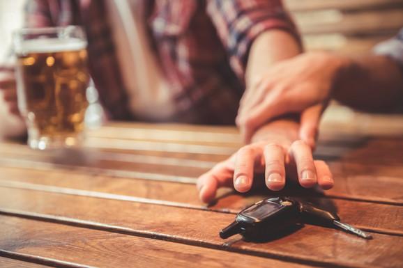 Nemojte da pijete i vozite!