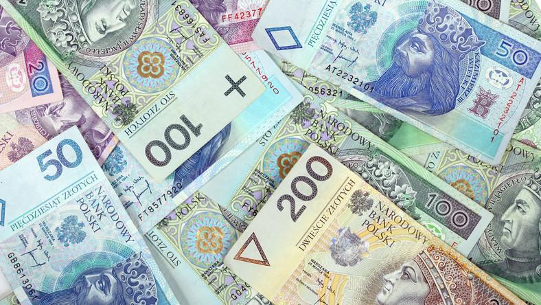Polacy w parabankach stracili tylko w tym roku 2,1 miliarda złotych