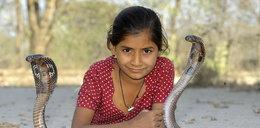 11-latka sypia z groźnymi wężami!