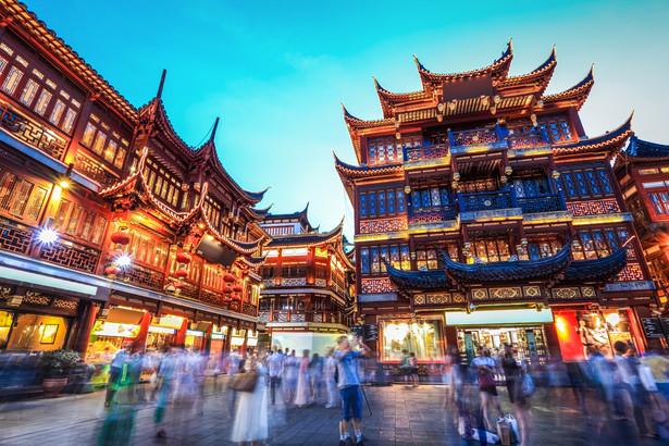 Chociaż sytuacja na giełdzie w Szanghaju z dnia na dzień wygląda coraz poważniej, trudno powiedzieć, jakie mogą być jej długofalowe konsekwencje. Wczoraj spadkami zakończyły się sesje na wszystkich najważniejszych parkietach w regionie.