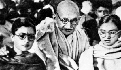 Skandal w Indiach. Skradziono część prochów Gandhiego