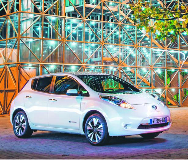 Nissan Leaf Cena: 128 000 zł Zasięg: 199–250 km Przyspieszenie 0–100 km/h: 11,5 s Prędkość maksymalna: 144 km/h