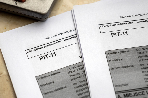 Przy przesyłaniu do 1 lutego do urzędu skarbowego druków: PIT-11, PIT-R, PIT-4R, PIT-8AR należy też pamiętać, że można to zrobić jedynie w formie elektronicznej