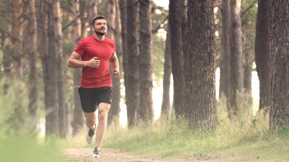 Wiadomo, że aktywność fizyczna korzystnie oddziałuje na zdrowie człowieka