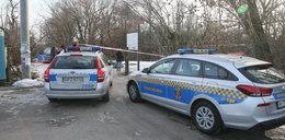 Śmierć rozebranego seniora w Warszawie. Miał otarcia, ale nie to go zabiło. Aresztowano podejrzanego o zabójstwo