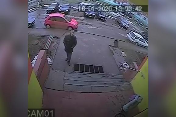 (VIDEO) Devojčica je uočila kako je MANIJAK prati od škole do zgrade, a kada je ušla u svoj ulaz NASTALA JE DRAMA