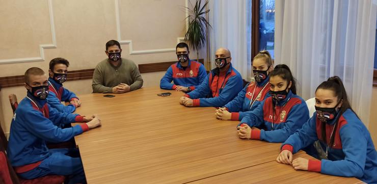Juniorska selekcija Srbije sa predsednikom BSS Borovčaninom