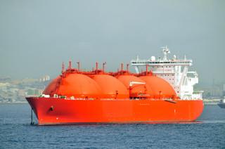 Sąsiedzi temperują Katar. Co się stanie z polskim LNG?