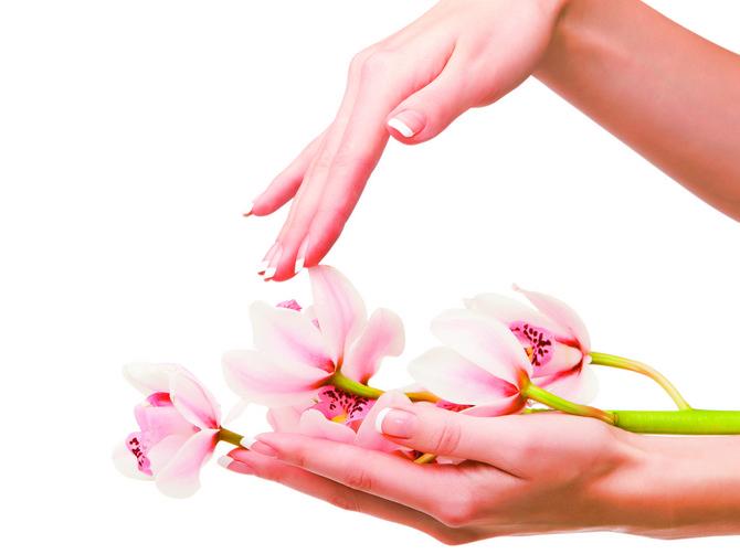 Sačuvajte kožu na vreme: Mlada žena, ruke stare - prizor je koji se često sreće