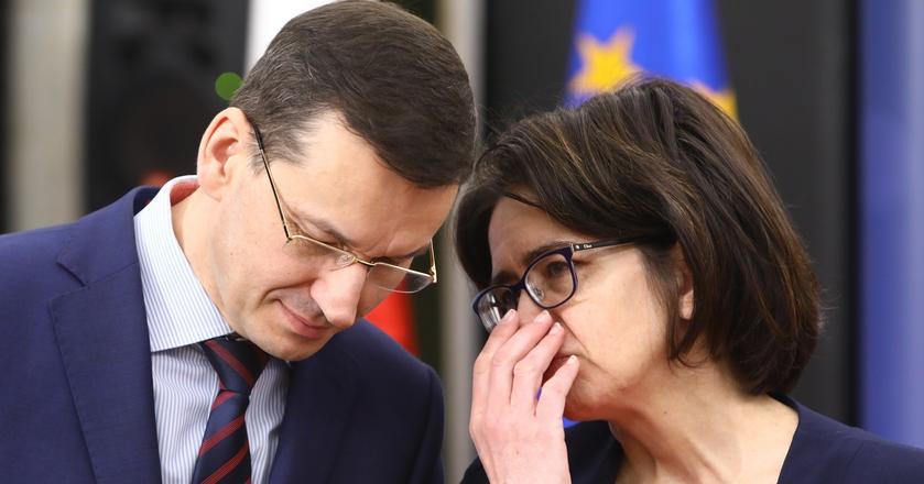 Mateusz Morawiecki nie może być zadowolony, czytając opinie swoich byłych kolegów z pracy. Na zdjęciu z minister cyfryzacji Anną Streżyńską