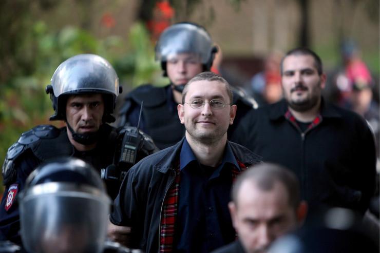 """""""Da li biste glasali za mene na izborima na nekoj listi?"""", upitao je pre nekoliko dana Goran Davidović, ozloglašeni vođa """"Nacionalnog stroja"""""""