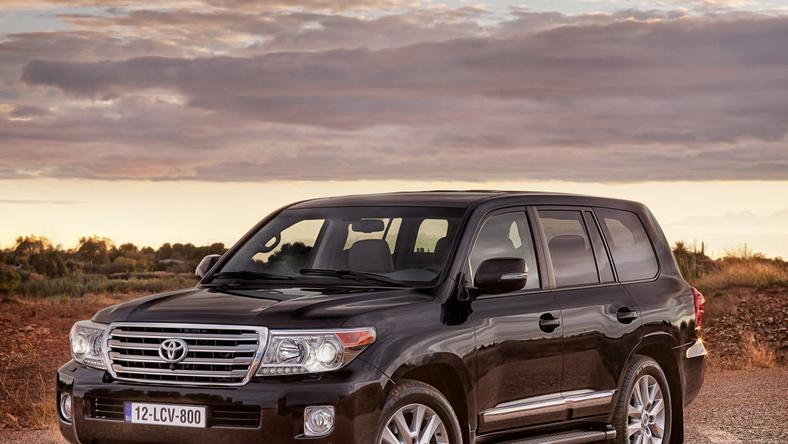 Toyota Land Cruiser V8 po retuszu