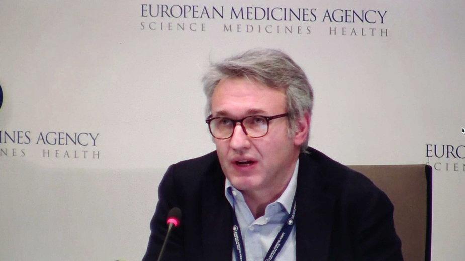 Marco Cavaleri, który potwierdził związek szczepionki AZ z zakrzepami