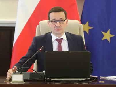 Premier Mateusz Morawiecki przed posiedzeniem rządu, 6 lutego w KPRM w Warszawie