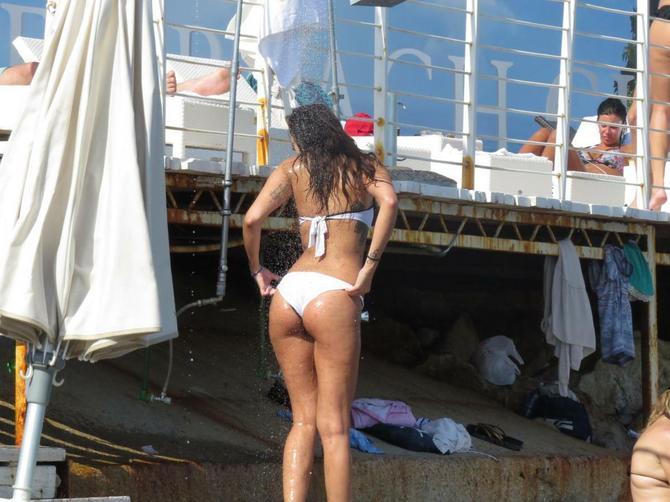 Katarina izgleda zavodljivo u kupaćem: Kada se obuče, sve se promeni?