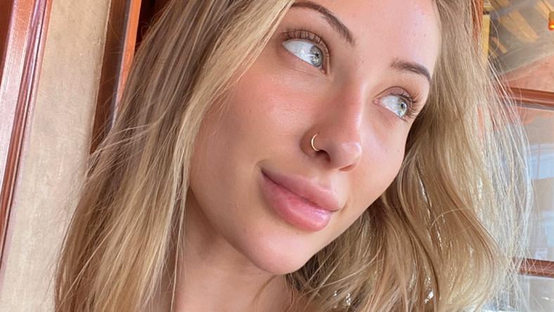 Model Sends Nudes for Australian Fire Relief