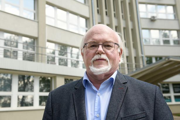 Prof. Egbert Piasecki z Instytutu Immunologii i Terapii Doświadczalnej PAN
