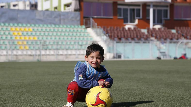 """Messiemu w dotarciu do chłopca pomogły media. Telewizja """"Al Jazeera"""" zrobiła nawet krótki wywiad z pięciolatkiem."""