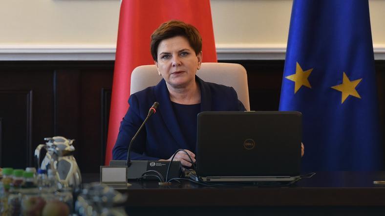 Rząd Beaty Szydło daje podwyżki kolejnym urzędnikom