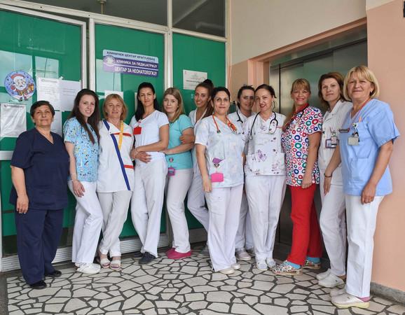 Deo medicinskog osoblja Kliničkog centra Kragujevac koje je bilo uz Vuka