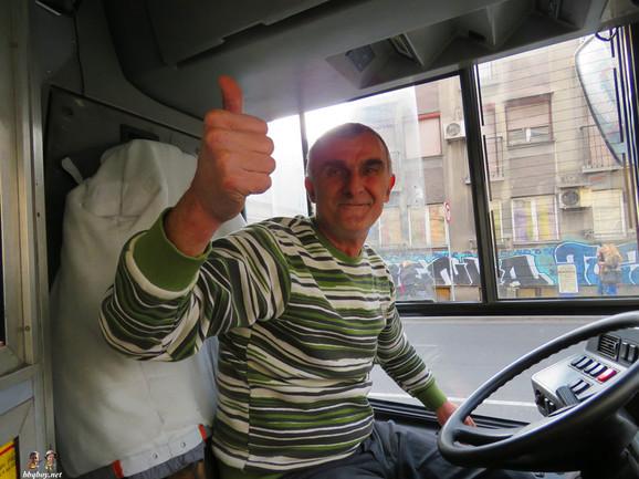 Vozač autobusa koji je ostavio poseban utisak na Frenka i Liset