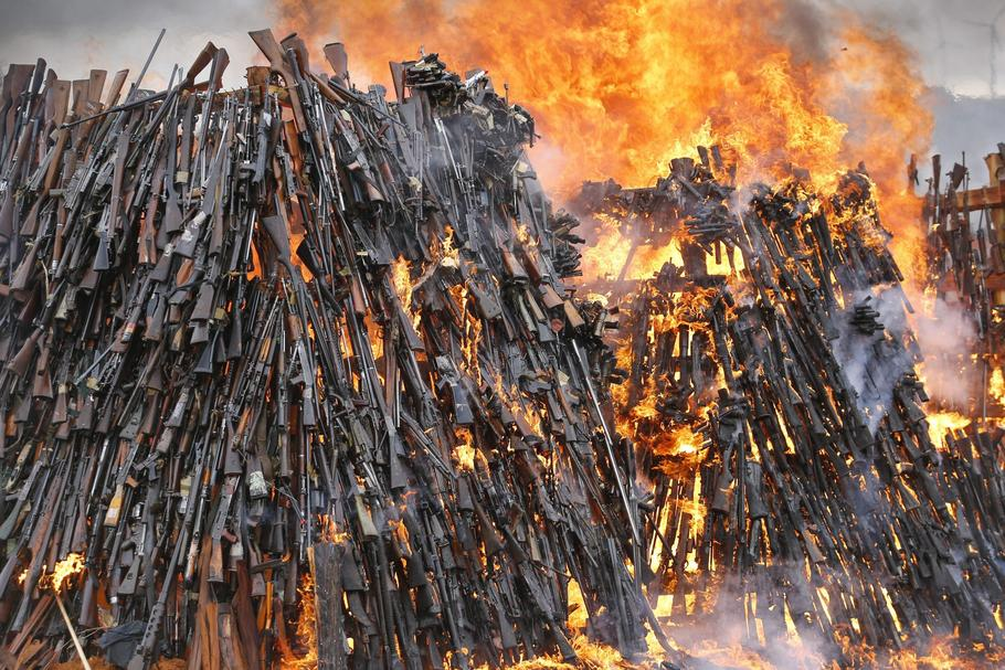 Kenya burns 5,250 illegal firearms