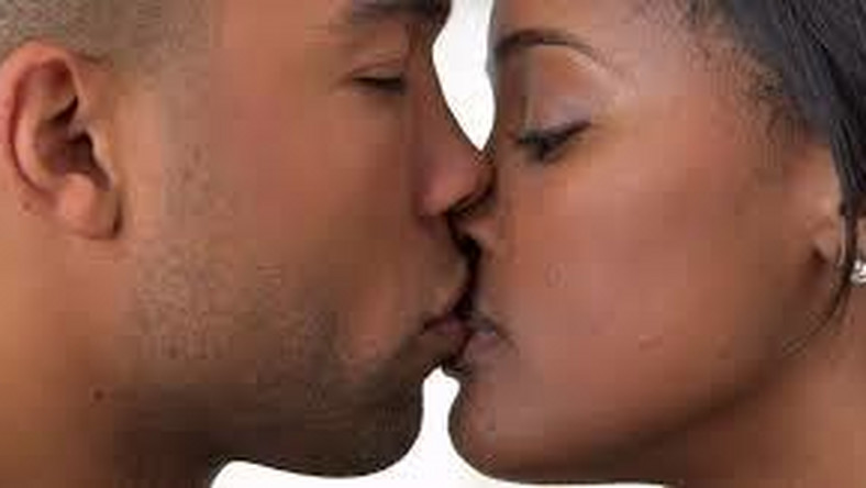 Romance: 8 easy guides to being a great kisser. [theworldnews]
