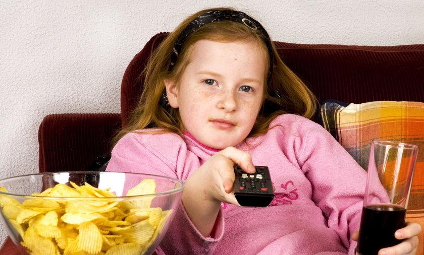 dziewczyka z chipsami