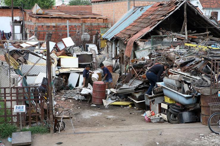 divlje romsko naselje 1 foto Nenad Pavlovic