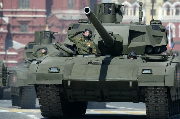 T-14 został pokazany podczas parady w Moskwie w 2015 roku