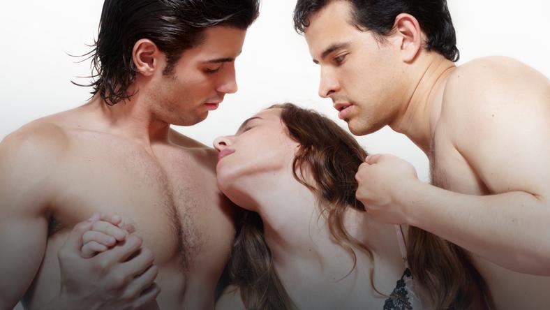 seks w trójkącie erotyczny
