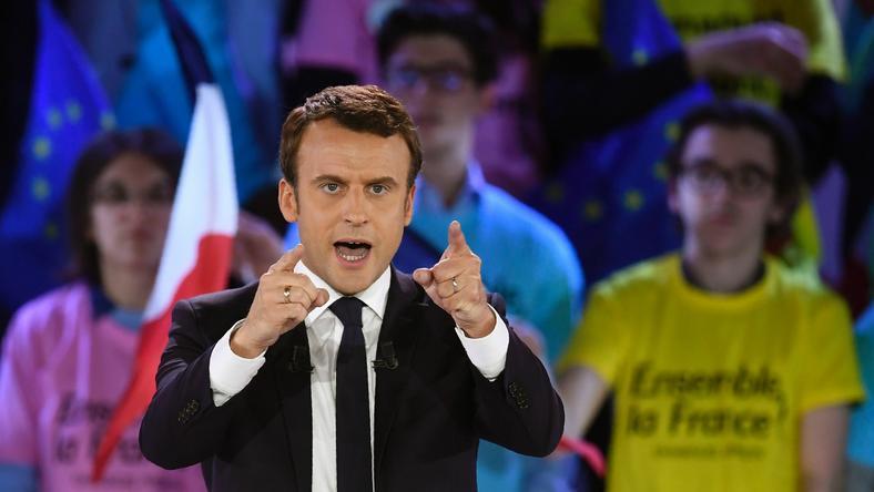 Sondaże wskazują, że w drugiej turze Macron pokona kandydatkę skrajnej prawicy Marine Le Pen