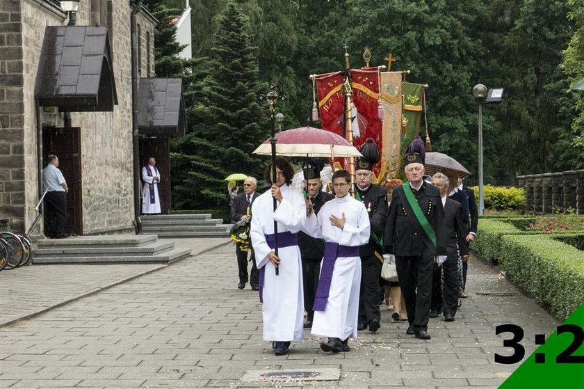 Pogrzeb księdza Mrochena w Orzeszu