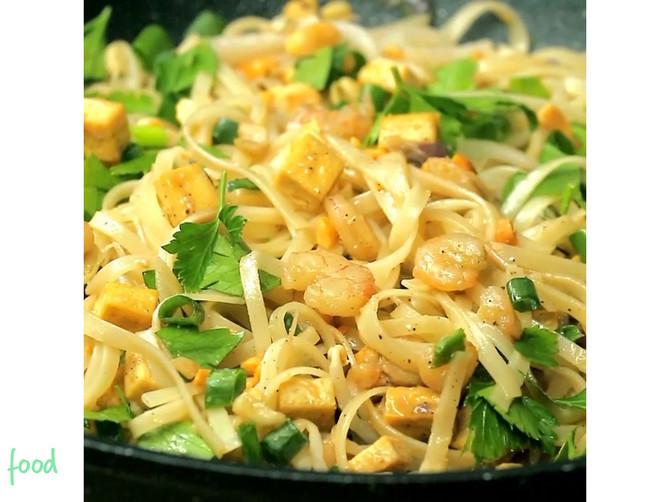 Najpoznatije tajlandsko prženo jelo: Pad thai je TOLIKO DOBAR da jednostavno MORATE da ga probate!