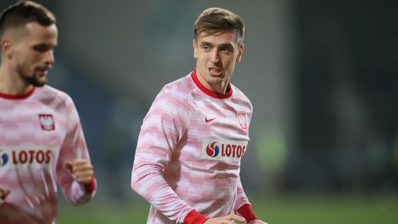 Piłkarze reprezentacji Polski Tomasz Kędziora (L) i Krzysztof Piątek (P) przed meczem grupy A1 Ligi Narodów z Włochami