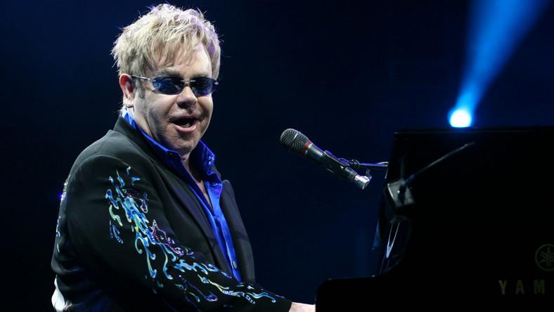Elton John smuci się z Pnau