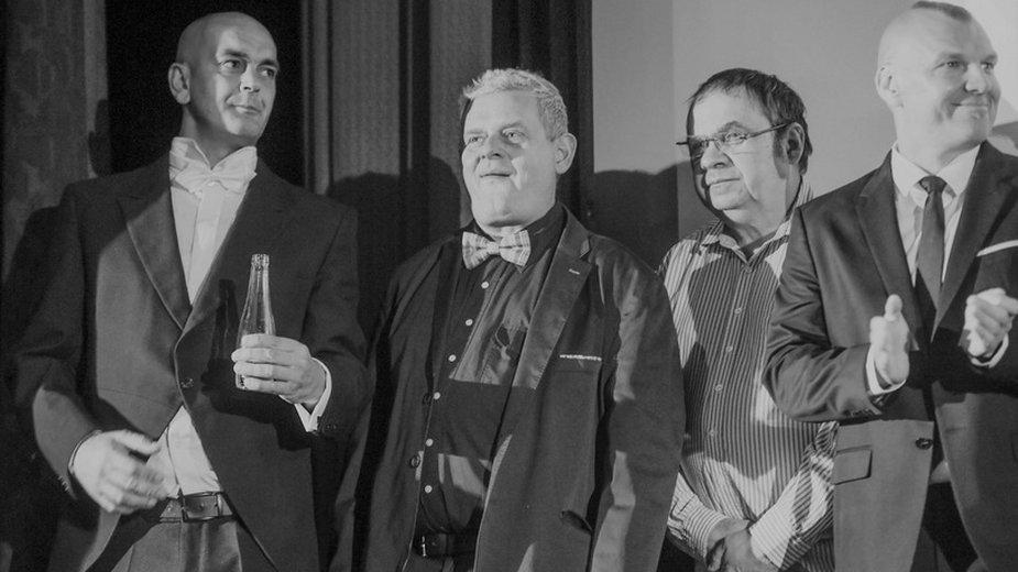 """Rafał """"Didi"""" Diduch, Kazik Staszewski, Janusz Grudziński i Wojciech Jabłoński podczas premiery filmu """"Kult. Film"""""""